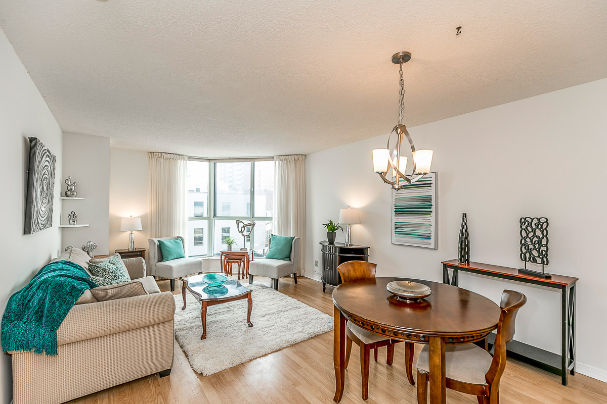 SOLD FOR ASKING - 1 Bedroom Condo in the Heart of Downtown Barrie